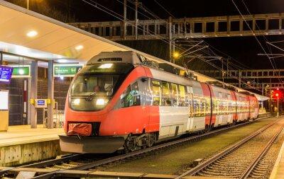 Austriacka lokalnym pociągiem w stacji Feldkirch