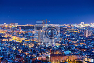 Barcelona panorama skyline w nocy, Hiszpania