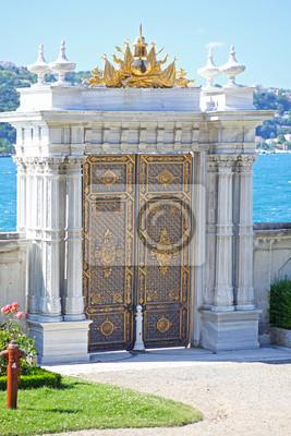 Obraz Beylerbeyi Pałac na brzegu cieśniny Bosfor w Istambule, Turcja