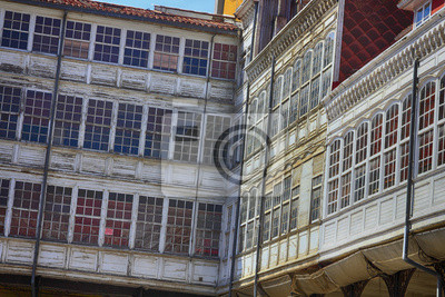 Obraz Antique luksusowa sypialnia z dużymi oknami ...
