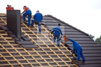 Blacharstwo pokrycia dachu domu