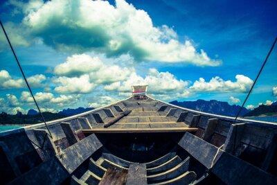 Obraz błękitne niebo i łodzi