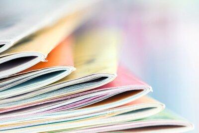 Obraz Bliska krawędź układania kolorowych czasopism