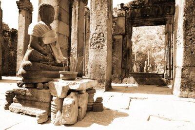 Obraz Buddy w świątyniach Angkor w Kambodży