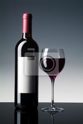 Obraz Butelka Czerwonego Wina Z Etykietą I Szkła Niewidomych Na