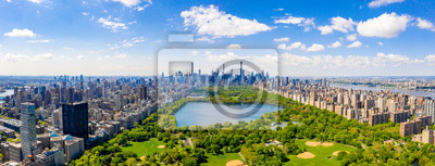 Obraz Central Park aerial view, Manhattan, New York. Park is surrounded by skyscraper. Beautiful view of the Jacqueline Kennedy Onassis Reservoir in the center of the park.