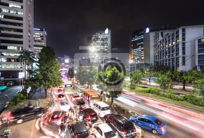 Chaotyczny ruchu drogowego dżem w Dżakarta przy nocą, Indonezja