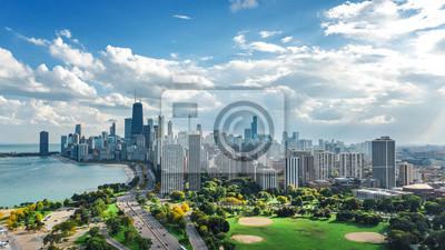 Obraz Chicago linii horyzontu trutnia powietrzny widok z góry, jezioro Michigan i miasto Chicago drapacze chmur w centrum pejzaż miejski od Lincoln parka, Illinois, usa