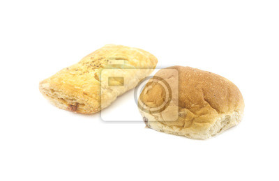 Chleb cięte w połowie na białym tle