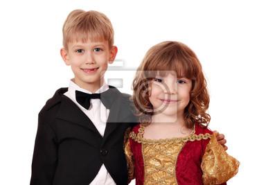 Chłopiec i dziewczynka stwarzających