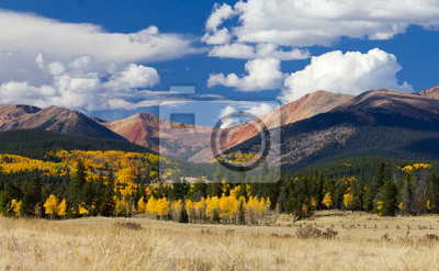 Colorado Rocky Mountains w Fall