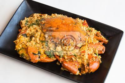 Crab-smażone z curry rozmowy proszku w Thai jest Poo Paad Poäng Gari