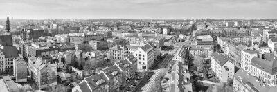 Czarno-białe panoramiczne miasto Szczecina (Szczecin), Polska.