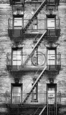 Obraz Czarno-biały obraz ognia ucieka, jeden z symboli Nowego Jorku, USA.
