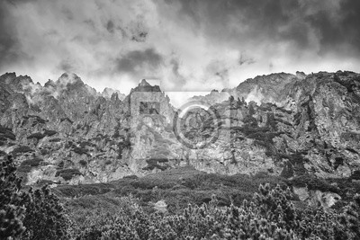Czarno-biały obraz Wysokich Tatr, Slovakia.ns.