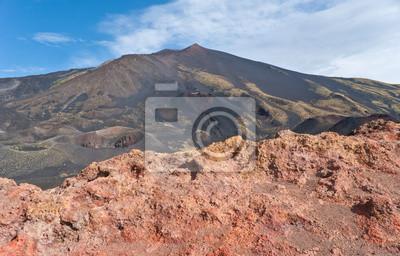 czerwone skały Etny