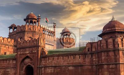 Obraz Czerwony Fort Delhi o zachodzie s? O? Ca z moody niebo -? Wiatowego dziedzictwa UNESCO.
