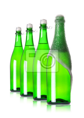 Cztery butelki szampana w wierszu