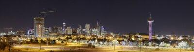Denver Skyline w nocy panoramiczny obraz, Colorado, USA.
