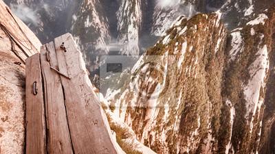 Deska ślad przy górą Hua, świat niebezpieczna podwyżka najwięcej, barwi stonowanego obrazek, Chiny.