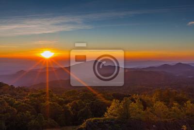 Doi Inthanon National Park w sunrise w Chiang Mai