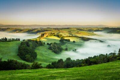 Obraz Dolina w mglisty poranek, Toskania