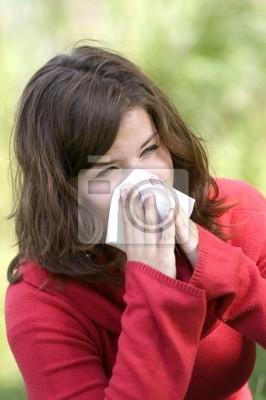Dość kichnięcie kobieta . sezon Allergy