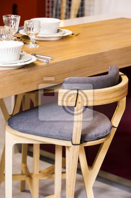 Drewniana stołek barowy na blacie