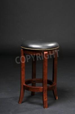 Drewniane krzesło barowe z wyściełane siedzenia