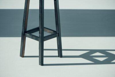 Drewniany stół kreskowy