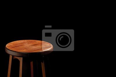 drewniany stołek barowy