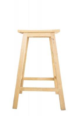 Drewniany stołek barowy na białym tle