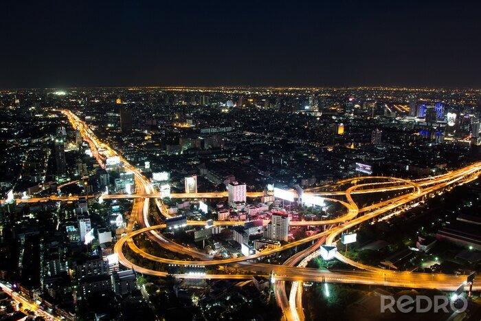Obraz Droga ekspresowa Bangkok i autostrady widok z góry w nocy, Tajlandii