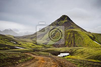 Droga w Islandii wulkanicznej góry