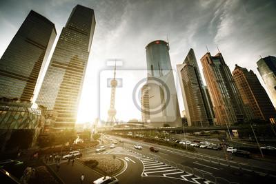 Droga w lujiazui centrum finansowego w Szanghaju, w Chinach