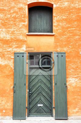 Drzwi i ściany