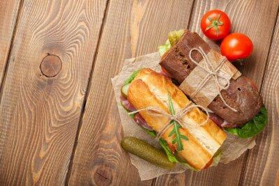 Obraz Dwie kanapki z sałatą, szynka, ser