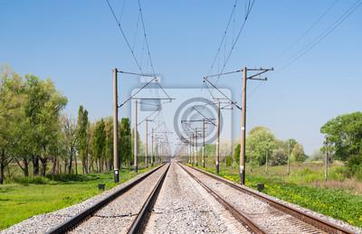 Dwutorowa zelektryfikowana (25 kV, 50 Hz) linia kolejowa