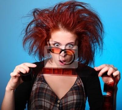 Dziewczyna z hodowca włosów w panice z filmu