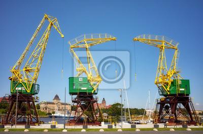 Dźwigi portowe przy bulwarach Szczecina, Polska
