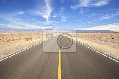 Endless autostrad kraju w Dolinie Śmierci, koncepcja podróży, USA.