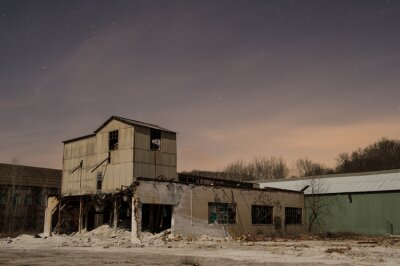 Fabryka cegły w nocy 2