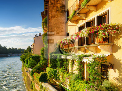 Obraz Fasady starych domów na nabrzeżu rzeki Adige, Verona