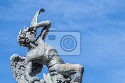 Fontanna Fallen Angel w Madrycie, w Hiszpanii.