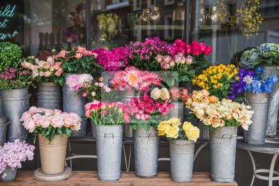 Obraz Fotografia pięknych kwiatów na ulicy