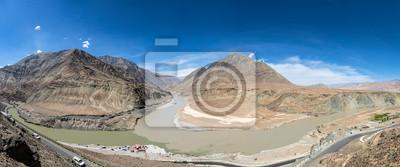 Gdzie Zanskar i Indus rzeki łączą się w Ladakh, Indie