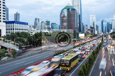 Godziny szczytu w stolicy Indonezji, Dżakarcie.