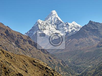 Góra Ama Dablam. Główny szczyt to 6812 metrów, region Everest w Himalajach, Nepal.
