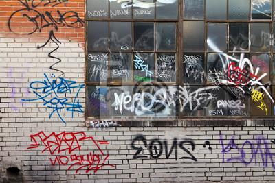 Grungy Alley z graffiti w Denver
