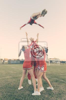 Obraz Grupa Cheerleaders widowiskowej Stunts